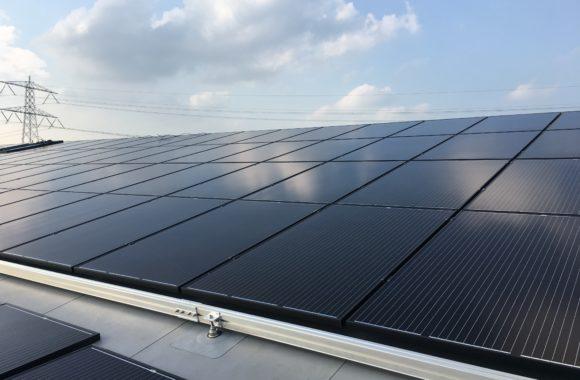 JualSolar montagesysteem - Zonnepanelen op pvc dakbedekking